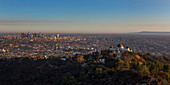 Griffith Observatorium in Los Angeles bei Sonnenuntergang, USA\n