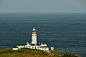 Fadan Head lighthouse overlooking the Atlantic Ocean, County Donegal, Ireland