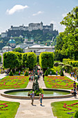 Blick vom Mirabellgarten auf die Burg Hohensalzburg, UNESCO-Weltkulturerbe, Salzburg, Österreich, Europa
