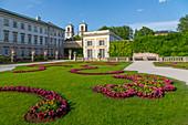 Blick vom Mirabellgarten auf die Pfarrkirche St. Andrä, UNESCO-Weltkulturerbe, Salzburg, Österreich, Europa
