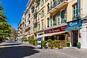 Straßenszene in Nizza, Alpes Maritimes, Côte d'Azur, Französische Riviera, Provence, Frankreich, Mittelmeer, Europa
