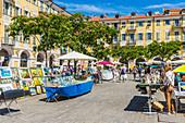 Marktstand auf dem Place Garibaldi in Nizza, Alpes Maritimes, Côte d'Azur, Französische Riviera, Provence, Frankreich, Mittelmeer, Europa