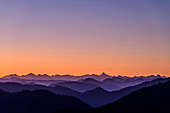 Morgenrot over Hohe Tauern with Großglockner, from Auerspitz, Spitzinggebiet, Bavarian Alps, Upper Bavaria, Bavaria, Germany
