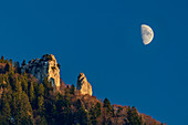 Moon over rock towers of Heuberg, Chiemgau, Chiemgau Alps, Upper Bavaria, Bavaria, Germany