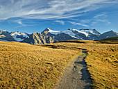 Path on the Plan des Eaux, l'Albaron, Bonneval-sur-Arc, Vanoise National Park, Savoy, France