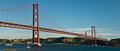 Ponte 25 de Abril, Fluss Tajo, Lissabon, Portugal