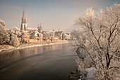 Ulm Minster, old town of Ulm on the Danube with snow, Baden-Württemberg, Germany