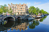 Old gabled buildings on Brouwersgracht Canal, Amsterdam, North Holland, The Netherlands, Europe