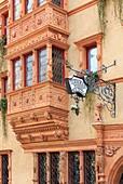 France, Haut Rhin, route des Vins d'Alsace, Colmar, facade of the Maison des Tete (house of heads) in Renaissance style (1609) former Wine stock exchange in Rue des tetes (Tete street)