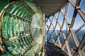 Frankreich, Finistere, Ouessantt, Regionaler Naturpark Armorique, Insel Ponant, die riesige Fresnellinse des Leuchtturm von Creac'h, Historisches Denkmal