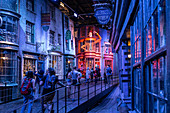 FILM SET FOR DIAGON ALLEY, STUDIO TOUR LONDON, THE MAKING OF HARRY POTTER, WARNER BROS, LEAVESDEN, UNITED KINGDOM