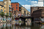 PIRATE CASTLE, BANKS OF REGENT'S CANAL, LONDON, GREAT BRITAIN, EUROPE