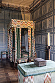 LOUIS XI BEDROOM, CHATEAU DE CARROUGES, BUILT OF RED BRICK BETWEEN THE 14TH AND 16TH CENTURIES, CARROUGES (61), FRANCE