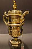HOT CHOCOLATE POT OF CARVED AND ENGRAVED GILDED SILVER, GIVEN BY LOUIS XIV TO MARIE-SOL DE LOHOBIAGUE TO THANK HER FOR HER HOSPITALITY, MADE BY ANDRES DE GOMORA, ORFEVRE, DONOSTIA - SAN SEBASTIAN, LATE 16TH CENTURY