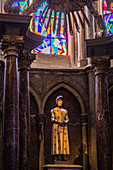 STATUE  OF JOAN OF ARC, NOTRE DAME CATHEDRAL OF REIMS, LISTED SINCE DECEMBER 1991 AS A UNESCO WORLD HERITAGE SITE. THIS IS THE CATHEDRAL WHERE ALL THE KINGS OF FRANCE WERE CROWNED SINCE CLOVIS IN THE 5TH CENTURY, MARNE, GRAND EST REGION, FRANCE