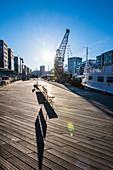 Boote im Traditionsschiffhafen / Sandtorhafen in den frühen Morgenstunden, Hafencity, Hamburg, Deutschland