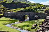 Stone bridge on the Gap of Dunloe Road, County Kerry, Ireland, Europe