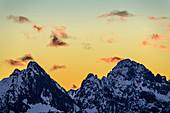 Cloud mood after sunset over Tannheimer Berge with Gehrenspitze and Köllenspitze, from Tegelberg, Tegelberg, Ammergau Alps, Bavarian Alps, Upper Bavaria, Bavaria, Germany