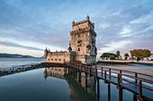 Morgens beim Torre de Belem, eines der Wahrzeichen von Lissabon, Portugal