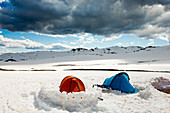 Camp near the Cootapatamba hut in the Kosciuszko National Park, multi-day ski tour, NSW, Australia