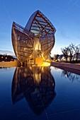 France, Paris, Bois de Boulogne, Louis Vuitton Foundation by architect Frank Gehry