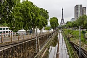 France, Paris, area listed as World Heritage by UNESCO, the flood of the Seine river on June 3, 2016 with a height near 5,80m, the lines of the RER C flooded at the Quai de Grenelle and the Tower Eiffel