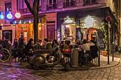 France, Rhone, Lyon, restaurant bar Le Vin des Vivants place Fernand Rey