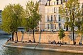 France, Paris, area listed as World Heritage by UNESCO, Ile Saint Louis, Quai d'Orleans
