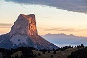 France, Isere, regional park of Vercors, Trieves, Mont Aiguille (2086m) seen by pass of Aiguille (1622m)