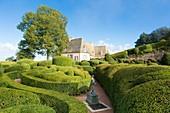 France, Dordogne, Perigord Noir, Vallee de la Dordogne (Dordogne valley), Marqueyssac castle, gardens of boxwwods designed by a disciple of Andre Le Notre
