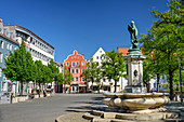 Paradeplatz with Ludwigsbrunnen, Ingolstadt, Danube Cycle Path, Upper Bavaria, Bavaria, Germany