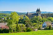 Ravengiersberg with St. Christophoruskirche, called Hunsrückdom, Hunsrück, Rhineland-Palatinate, Germany