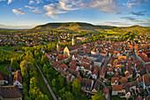 Blick auf die Altstadt von Iphofen, Kitzingen, Unterfranken, Franken, Bayern, Deutschland, Europa