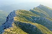 Frankreich, Bouches-du-Rhône, Pays d'Aix, Grand Site Sainte Victoire, Vauvenargues, Berg Sainte Victoire, Wappen, Signal (969 m), Croix de Provence )