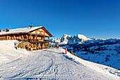 Hütte im Skigebiet Seiser Alm, Südtirol, Italien