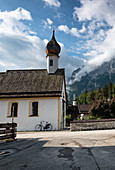 View of the St. Josef chapel in Grainau, in the background the Waxenstein, Grainau, Bavaria, Germany, Europe