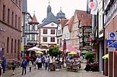 Rathausplatz, Fachwerkhäuser, Lohr am Main am Spessart, Unter-Franken, Bayern, Deutschland