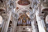 Blick auf die Orgel im Dom St. Stephan, Passau, Niederbayern, Bayern, Deutschland, Europa