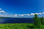 Sommerstimmung an einem einsamen See, Orsjön, bei Karsjö, Västernorrland, Schweden