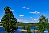 Eine Landzunge im See auf dem Campingplatz in Särna, Dalarna, Schweden
