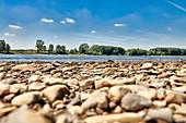 Low water in the Rhine, Mondorf, NRW, Germany