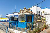Bunte Hütte im Hafenort Agaete im Westen von Gran Canaria, Spanien