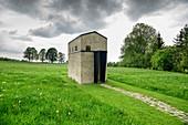 Jakobskapelle, Architekt: Michele de Lucchi, Auer Berg, Oberbayern, Bayern, Deutschland