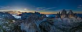 Drei Zinnen im Sonnenaufgang, Dolomiten, Südtirol, Italien