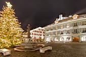 Christmas lights in the Rathausplatz. Thun, Canton of Bern, Switzerland, Europe.