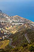 Spanien, Kanarische Inseln, Teneriffa, Taganana, Blick auf die Berge an der Küste