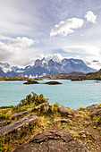 Chile,Patagonia,Magallanes and Chilean Antarctica Region,Ultima Esperanza Province,Torres del Paine National Park,elevated view of Lake Pehoé and Paine Horns in the background