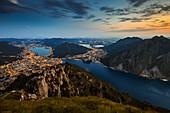 Sonnenuntergang über Lecco vom Berg Coltignone, Grigne-Gruppe, Lecco, Lombardei, Italien, Südeuropa