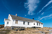 Blick auf das Fischerheim der Insel Nordöyan, Fischerdorf, Folda, Namdalen, Tröndelag, Norwegen