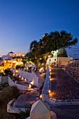 Blaue Stunde bei Oia, Santorini, Griechenland, Kykladen, Südeuropa